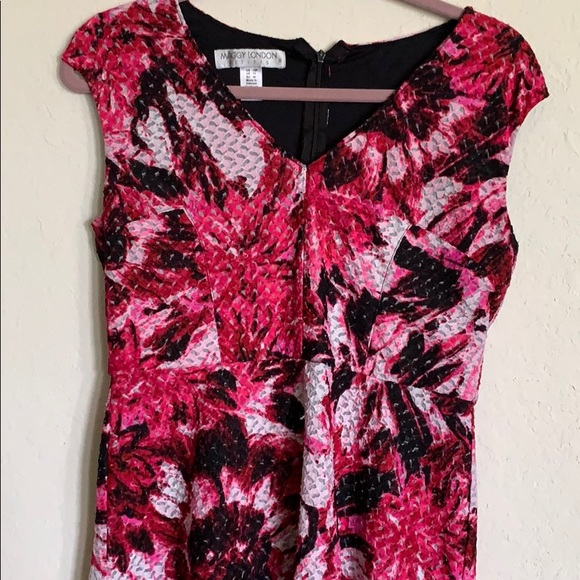 Maggy London Dresses & Skirts - Cap Sleeve Floral Fit and Flare Dress